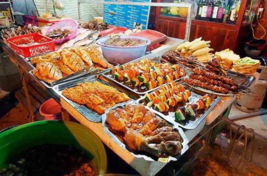 Khu bán đồ ăn chín